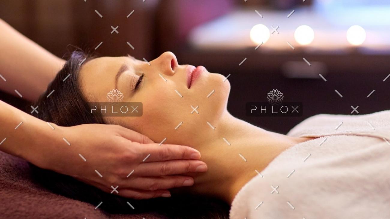 demo-attachment-755-spa-salon-therapy-treatment-PZFBLW-10